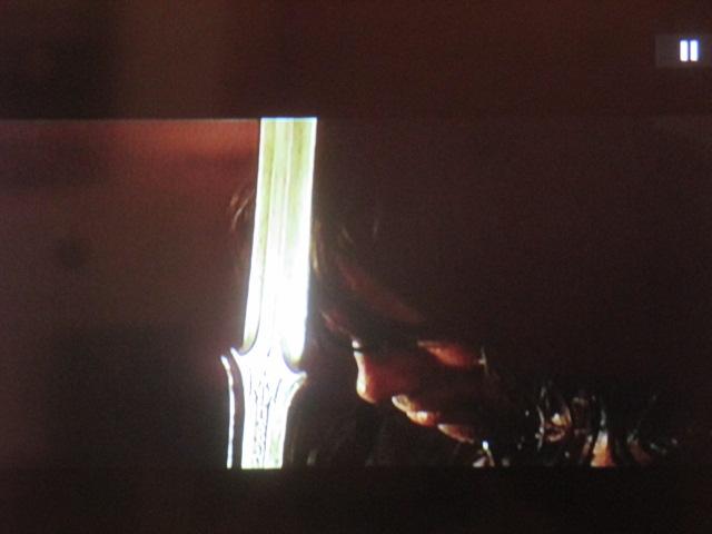 Conan trouve sa Durandal. Son Excalibur. Son totem. Sa foi. Avec cette épée, conquérir un empire. Jeanne aussi en avait trouvé une sous les dalles de l'église de Sainte-Catherine-de-Fierbois (Indre-et-Loire).