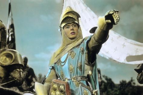 Jeanne et les miracles : Arrivée à Chinon, à travers mille dangers, elle reconnaît Charles VII, qu'elle n'a jamais vu non plus et qui se dissimule. A Sainte-Catherine-de-Fierbois, elle désigne, derrière l'autel, l'endroit précis où est enfouie la vieille épée dont elle veut se servir, et l'épée sort de terre à la place indiquée. Sur la Loire un vent violent arrête le convoi de vivres destiné aux Orléanais : à sa voix le vent tourne et se met à pousser les bateaux avec une forceirrésistible.