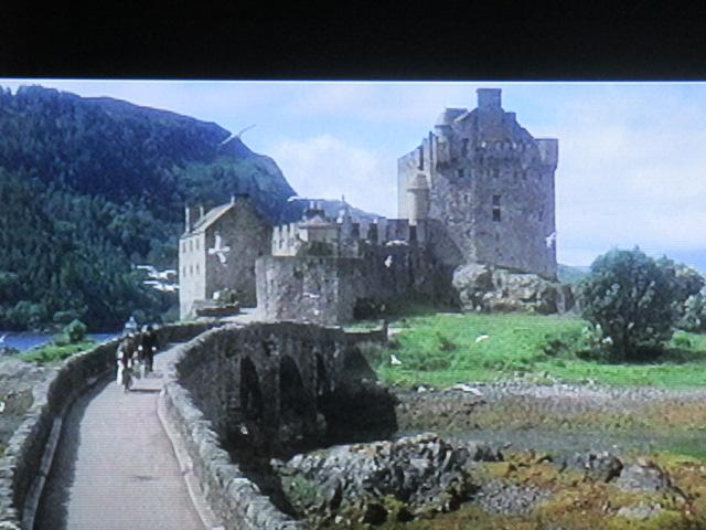 Château de Kyle of Loschalch. Nicolas Bonnal y a dormi. Les moines sont des espions prussiens ; on le reverra dans le nid d'aigle de Chapeau melon et bottes de cuir. Tout le monde pille le maître Billy Wilder, même Kubrick (oui, mein führer!)