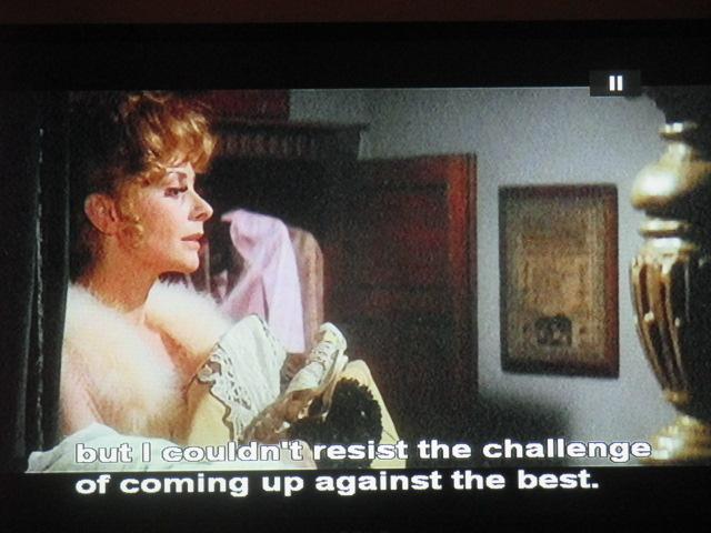 La belle lui fait une déclaration d'amour intellectuel : c'est Abélard et Héloïse en Ecosse. Elle sera fusillée au japon après avoir emprunté un nom… d'empreinte.  Plus beau film de Wilder, le plus romantique, le plus platonique, et le plus nostalgique. Ach, la vieille Europe, les bonnesmanières…