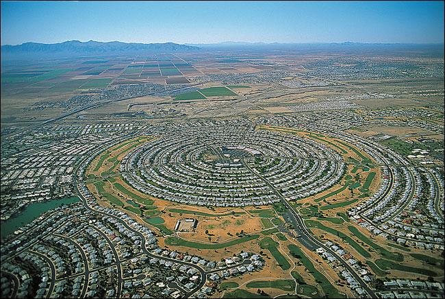 Infinite suburbia, sprawling : l'enfer interminable sur la terre. Lisez Nicolas Bonnal (et DeanKunstler)