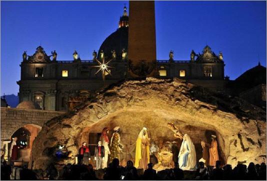 Retour/Vivons l'Avent avec le site du Vatican Creche-vatican-benoit_lbs
