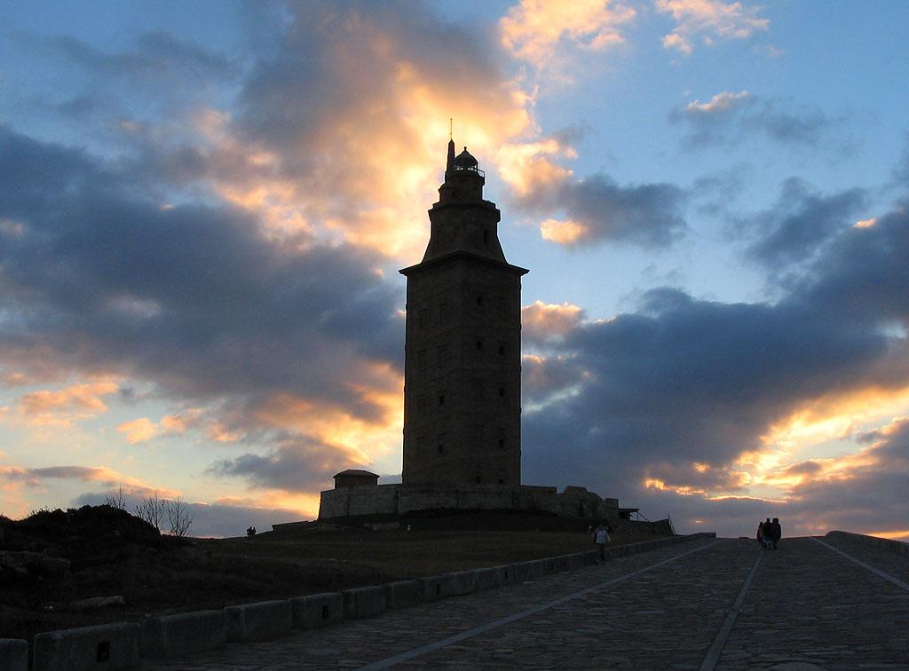 La tour d'Hercule veille sur meslecteurs…